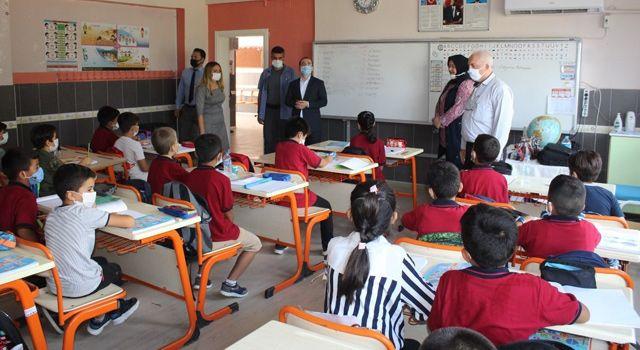 Kaymakam Selimoğlu okul ziyaretinde