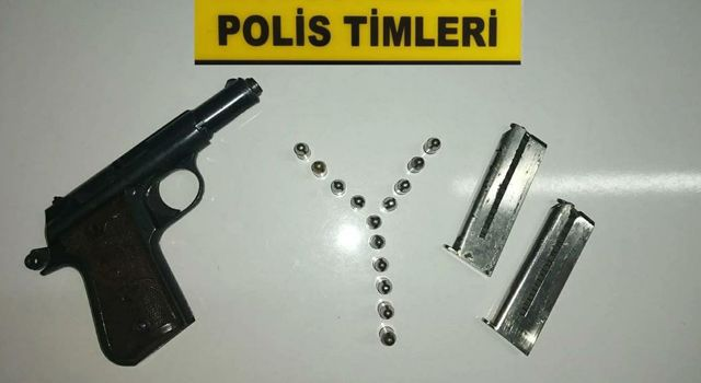 Ruhsatsız silahlar, polis uygulamasında yakalandı